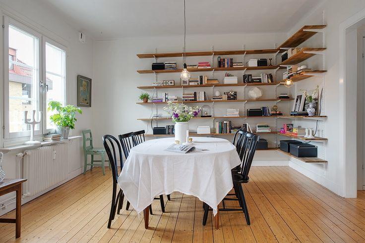 Matsal med plats för stora middagsbjudningar