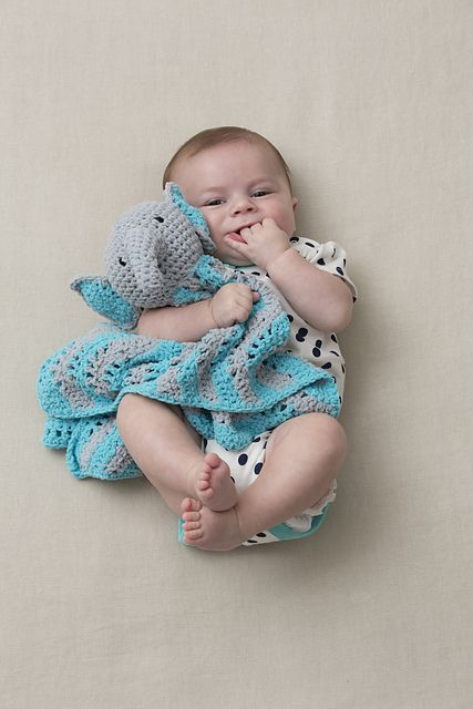 [Free Pattern] Babies Enjoy The Hugs And Comfort Of This Cutie Elephant Blankie - Knit And Crochet Daily