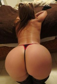 hottest-asses-in-g-strings-xxx-scene-forgetting-sarah