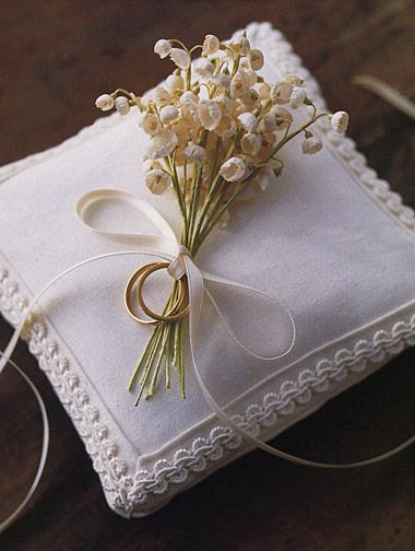 .Really sweet wedding ring pillow!!