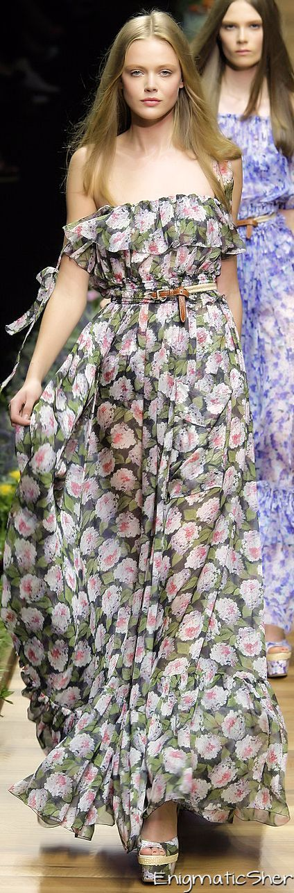 www.2locos.com  Dolce and Gabbana Spring 2011