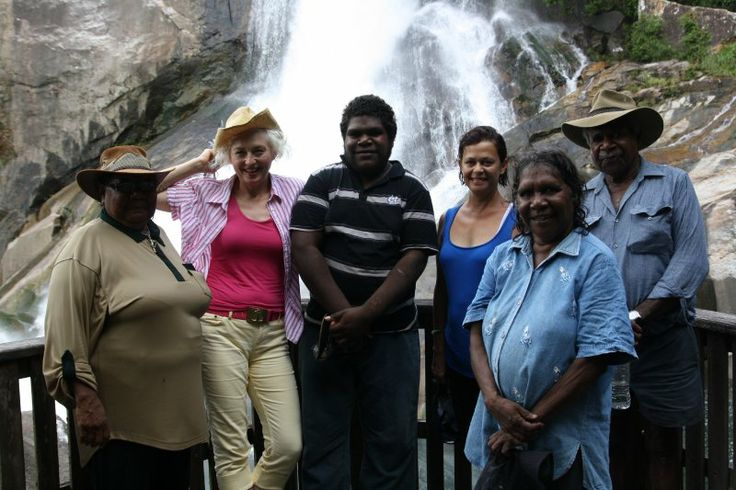 Girringun Artists take their guests, Suzanne O'Connel and Avril Quail to Murray Falls. Focussed interest was the Cairns Indigenous Art Fair 2011.