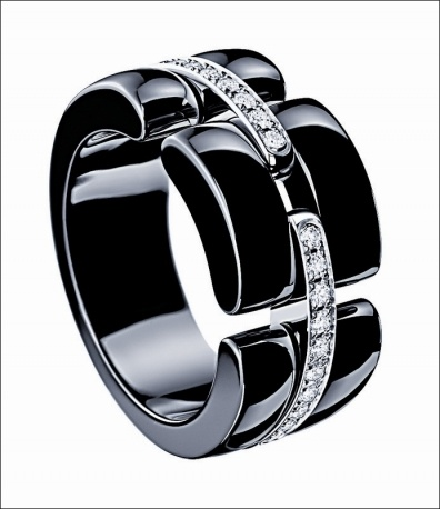 """""""Ultra"""" anello in ceramica e diamanti"""