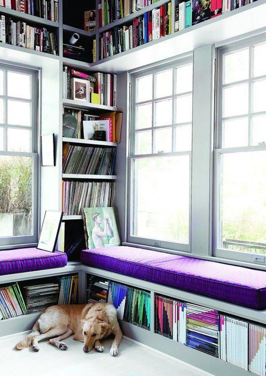 Uma excelente solução de organização para quem tem muitos livros ou objetos está muitas vezes em um espaço que geralmente é pouco utilizado...