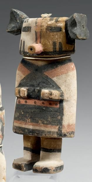 Kachina aux chignons noirs Hopi, Arizona, U.S.A. Bois, pigments, cordelette.
