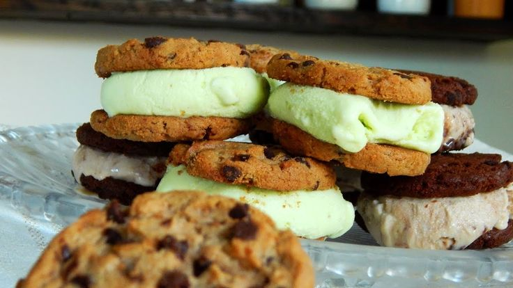 Sandwich Helado / Alfajor Helado - #LaNOReceta - CUKit! Sandwiches, Cookies, Desserts, 3, Youtube, Food, Ideas, Dessert Recipes, Italian Desserts