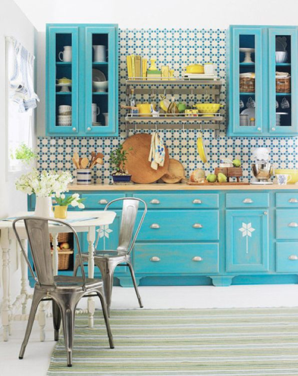 Blue and yellow brights = happy kitchen space