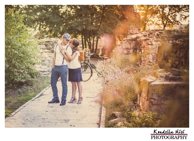Budapest vintage engagement session love photography in the morning with bicycle and vintage clothes
