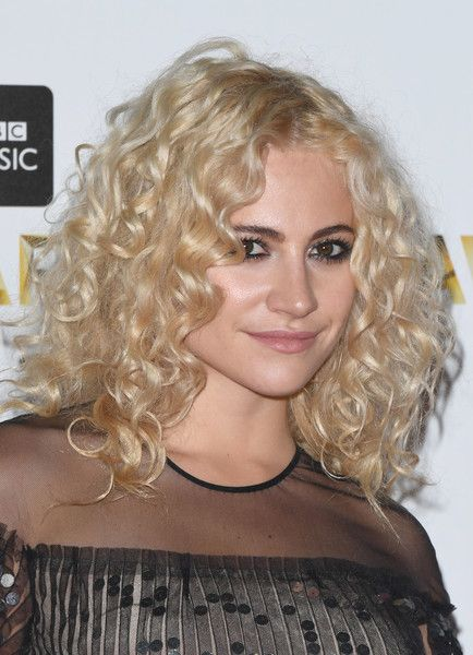 Pixie Lott's Medium Curls - 50 Celeb Hairstyles You'll Want to Copy - Photos