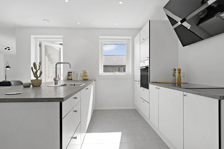 Nyt og moderne køkken fra Designa i eurodan-hus