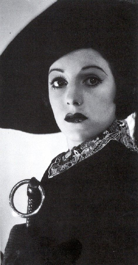 Sirkka Sari, 1920-1939 Finnish actress, She was at a party with the cast and crew of Rikas tyttö, her last film; the party had been her idea. She and one of the men in the group went up to the roof of the hotel; on the flat roof, there was a chimney several feet high, with a ladder leading up to the top. Sari mistook this chimney for a scenery balcony, climbed up, and fell down inside it into a heating boiler's furnace, where she died instantly.