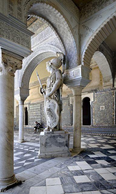 Casa de Pilatos #Sevilla Det tidligere hjem for hertugerne af Medinaceli er bygget i en blanding af italiensk renæssance og maurisk stil.