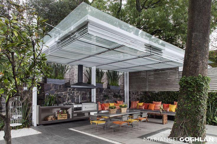 casa Limonero : Balcones y terrazas modernos de MARIANGEL COGHLAN