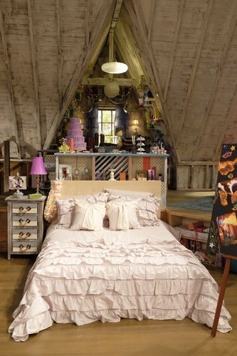 Room Style: Steal Cyd and Shelby's 'Best Friends Whenever' Room Style