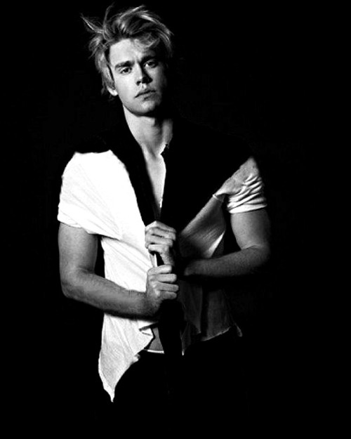 I may have an obsession. He is the reason why i watch glee #ChordOverstreet.