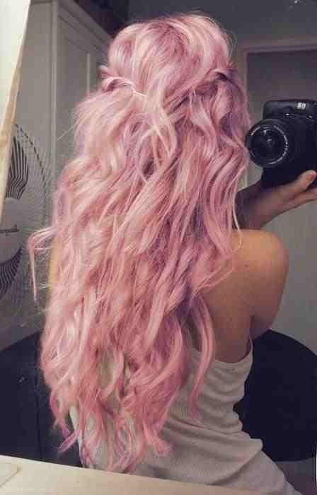 I'm not crazy about the color but her hair is gorgeous! I'm not crazy about the color but her hair is gorgeous!