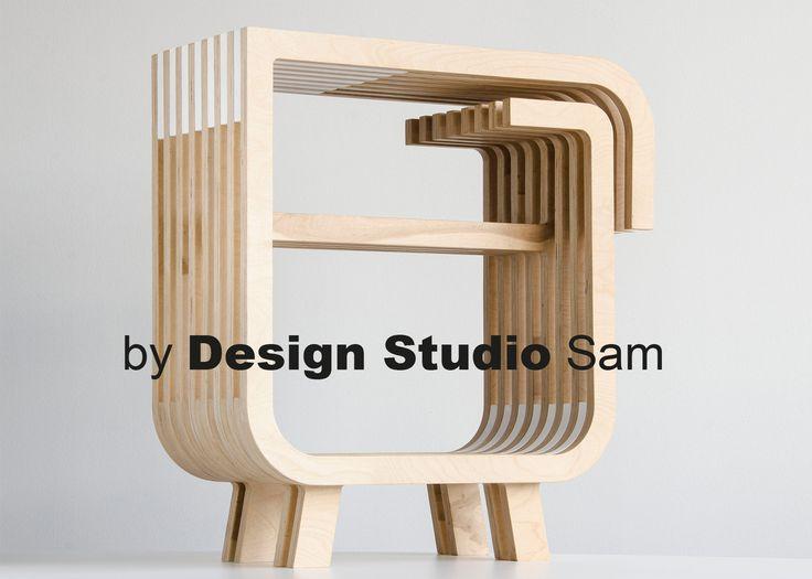 Tafel-kastje opgebouwd uit verschillende lagen met opvallende details I…