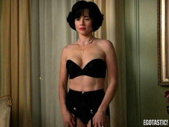 Stars Linda Cardelini Nude Png