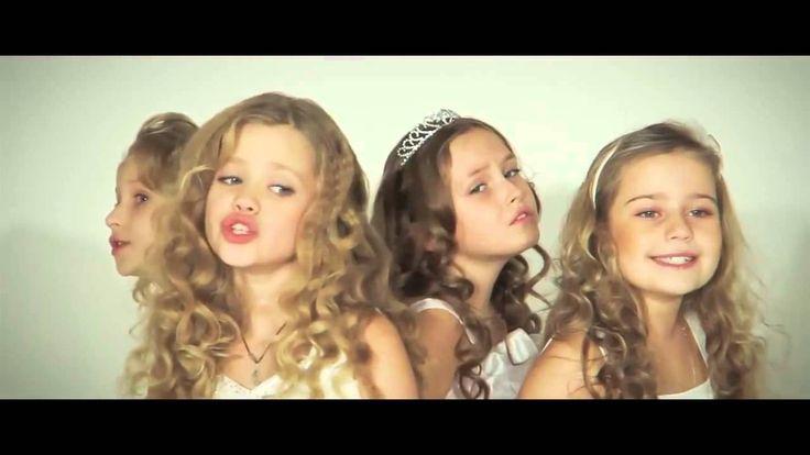Дети красиво поют,песню про маму