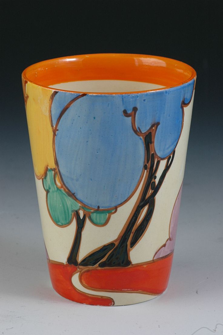 Lemonade beaker, 1931 by Clarice Cliff.