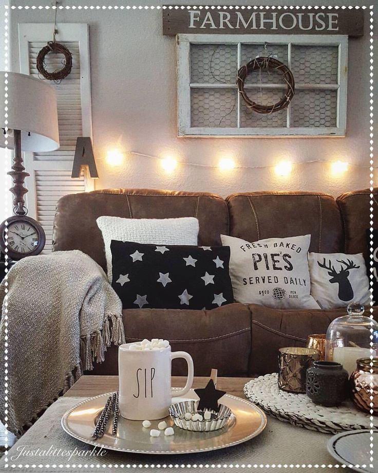 Rustic living room, cozy, stringlights