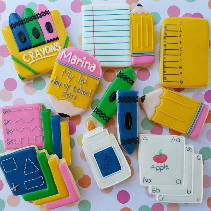 @kryskuts Back to school Cookie cutters availables  in my etsy shop (link in bio) . . . *chubby pencil *chubby ruler *glue bottle . . 📣📣🔴 use the code SCHOOL25 and get 25%off🔴📣📣 . .  #kryskuts #cookiecutter #customcutters #customorders #sugarcookies #icingcookies #fillmoreca #805 #instagram #instamom #etsy #etsyshop #pinterest #edibleart #backtoschoolcookies #backtoschool #chubby #chubbypencil #chubbyruler #glue