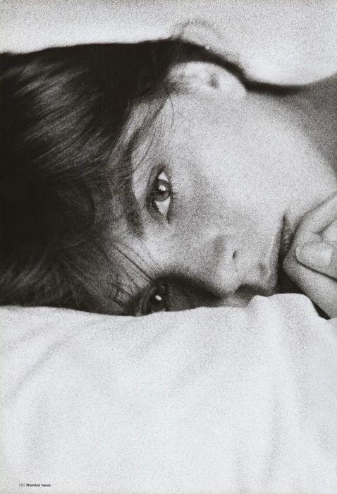 En el umbral del sueño, sentí a mi espalda tu respiración. Me di vuelta y descubrí tus ojos... ¿Será esta la mejor manera de iniciar un día?... CREO QUE SÍ...