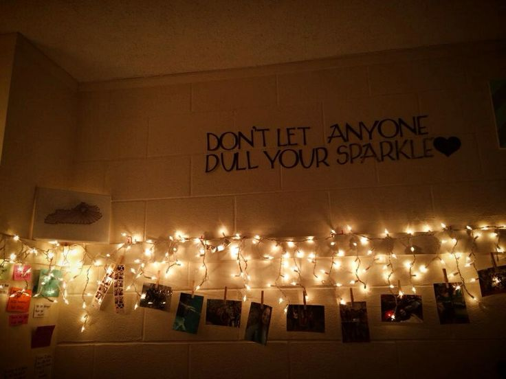 Iceicle lights  dorm room. 1000  ideas about Icicle Lights Bedroom on Pinterest   White