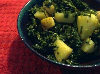 Aaloo Palak (Potato & Spinach) Recipe - Pakistani Main Course Vegetarian Dish - Fauzia's Pakistani Recipes - The Extraordinary Taste Of Pakistan