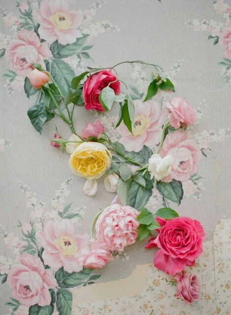 DIY Romantic Floral Garland