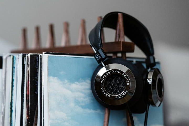 Grado Labs Ps2000e Flagship Headphones Launch With Vinyl Records 3 In 2020 Grado Labs Vinyl Records Valuable Vinyl Records