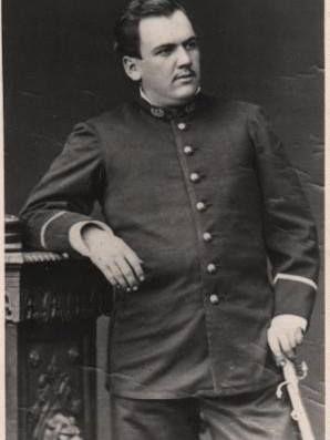 José Segundo Araya Osses subteniente del Regimiento Esmeralda 7º de Líneas, Ejército Chileno. Foto tomada durante la ocupación de Lima, Perú