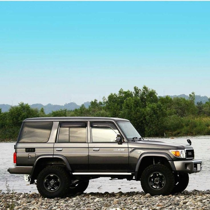 Find Toyota: Toyota Land Cruiser Off Road Google Search 4x4 T 4x4 Y