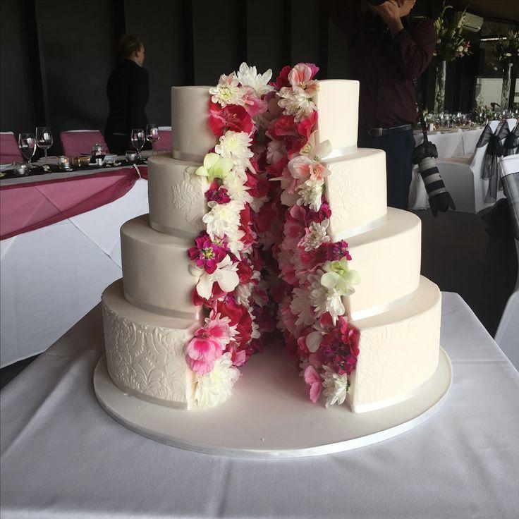 Werribee mansion. Pavilion. Wedding cake.