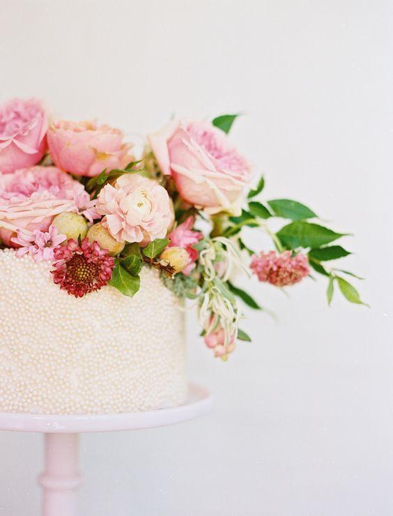 Photography: Ben Q. Photography - benqphotography.com/ light pink wedding cake: