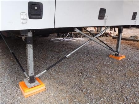 DIY Front Stabilizer Rods for fith wheel campers- Projects by K.E.C.