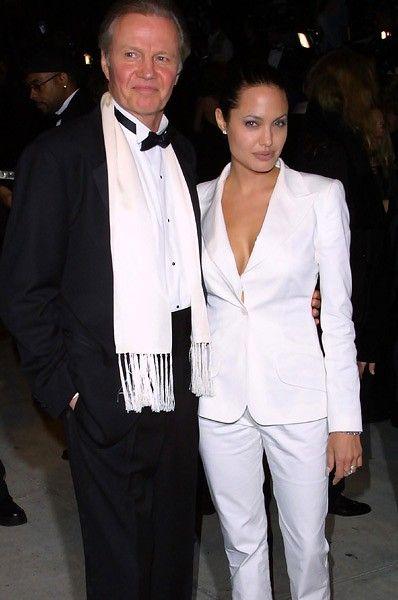 Angelina Jolie and Brad Pitt wedding: Jon Voight was not invited - BelleNews.com