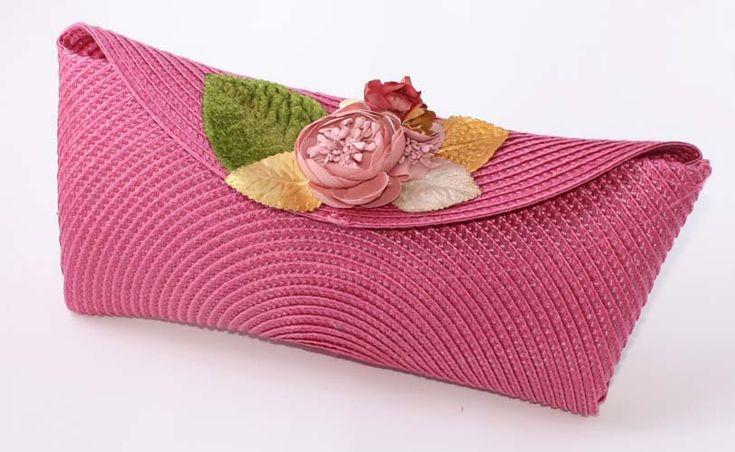 Bolso Cleo, bolso fiesta, bolso boda, bolso novia, bolso paja, bolso fucsia, bolso mano, bolso rosa, bolso flores, boda original, artesanía, clunch
