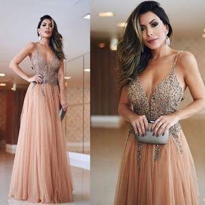 Inspiração de vestidos de festa escolhidos por famosas e blogueiras para usar em casamentos durante o dia.