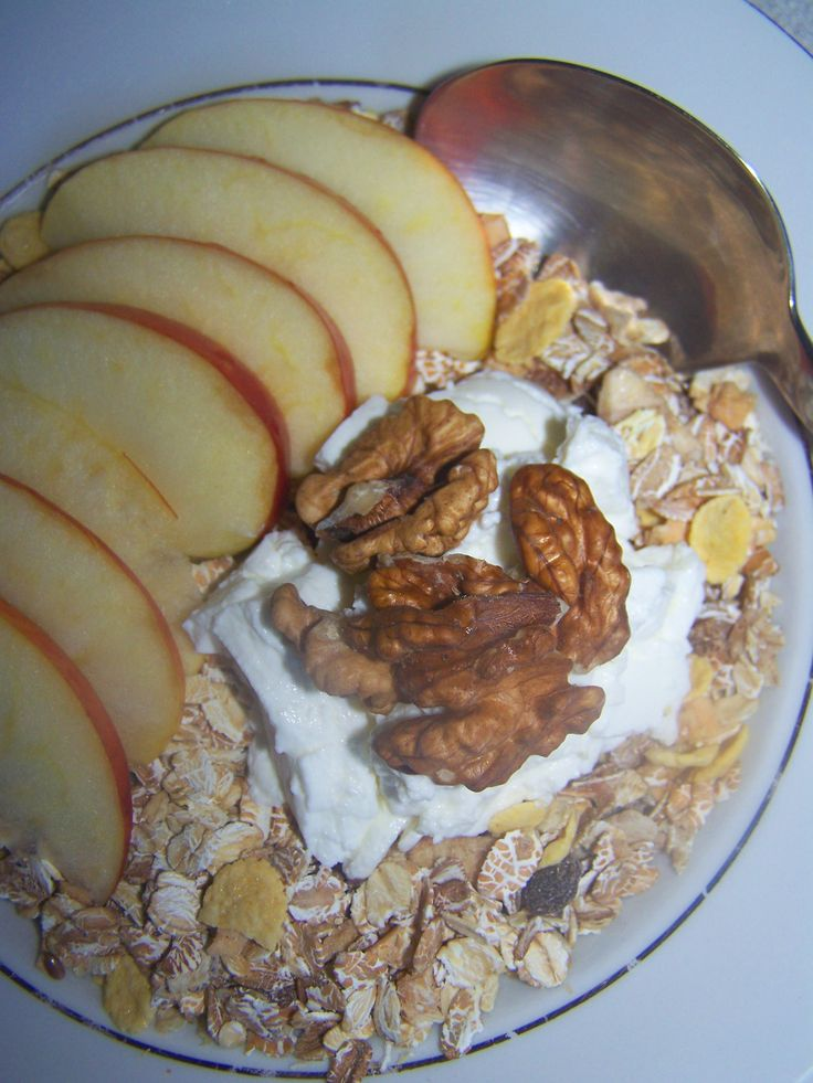 Cereal with yogurt and nuts