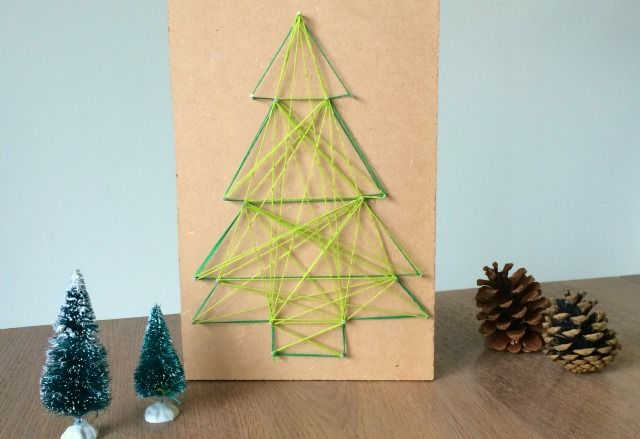 Diy Kerstboom Van Spijkers En Garen Fulltime Mama Nl Kerst Knutselen Winter Decoratie Knutselen Kerst