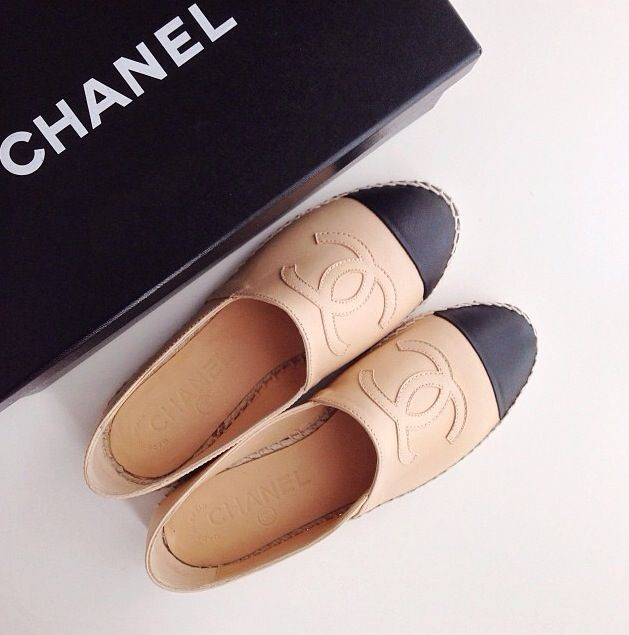 ✔️ Classic Chanel beige with black cap toe all leather espadrilles