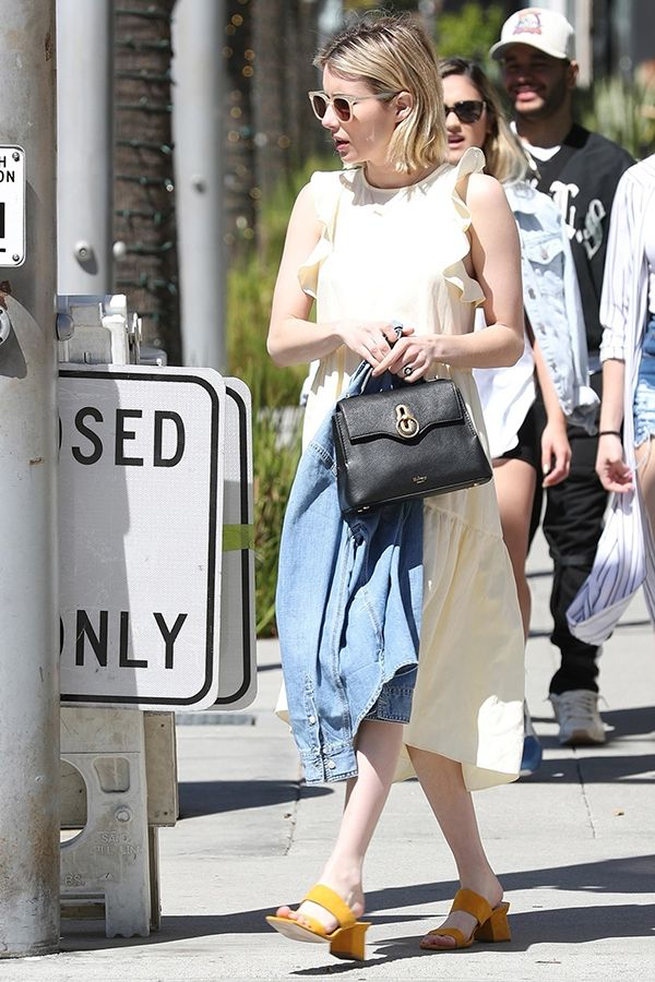 4770d58bd9e Emma Roberts wears the Mini Seaton Bag.   Mulberry in 2019   Pinterest    Emma roberts, Bags and Style