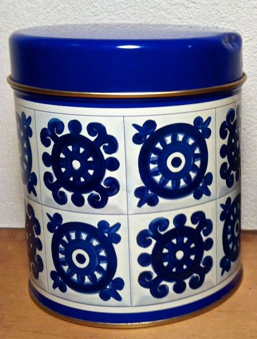 Lovely old big plate Viri-cacao box