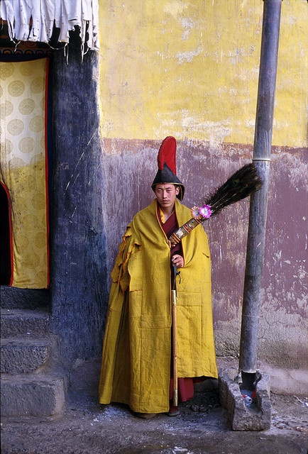 Tibetan Monk.: Tibetan Monk, Buddhists Monk, Paper Dolls, Tibetan Style, The Cities, Colour Inspiration, Tibet Culture, Human Culture, Photo