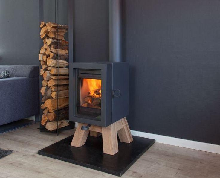 Stoer! Oak houtkachel op houten poot via wanders Fires & Stoves