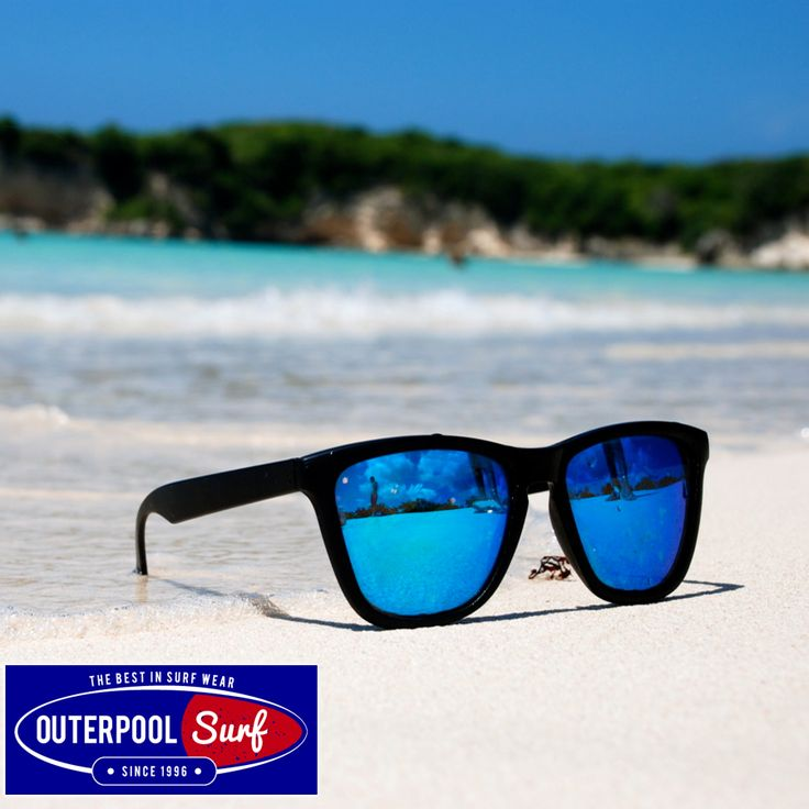 Wear sunglasses with total UV protection to protect you eyes from the sun this summer. #Tips #Sunglasses #Protection