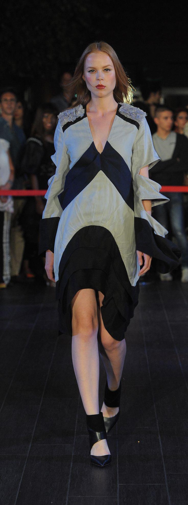 FASHION SHOW 2015 Istituto di Moda Burgo - INDONESIA www.imb.it  Abito realizzato da Patricia Thebez, Stilista di Moda  Creation of Patricia Thebez, Fashion Stylist