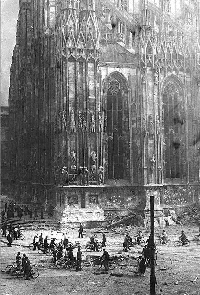 Duomo dopo i bombardamenti 1943
