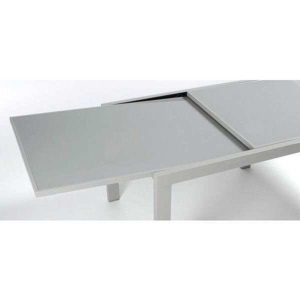 Se desideri un tavolo che assolva alla sua funzione appieno, che abbia un'ottima struttura, che sia essenziale e pratico, questo è quello che fa per voi.